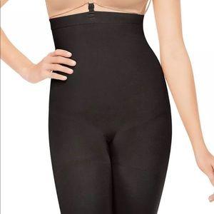 SPANX Slim Cognito Mid Thigh Body Shaper